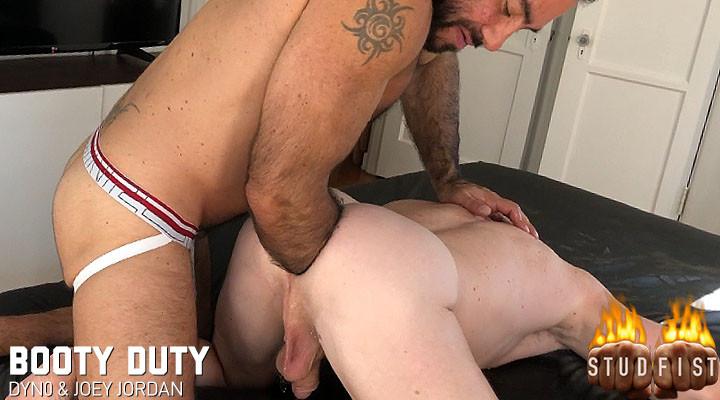 [StudFist.com] Booty Duty (Dyn0, Joey Jordan) [2019 г., Double Fisting/Handballing, Fetish/Kink, Poppers, Tattoos, 1080p]